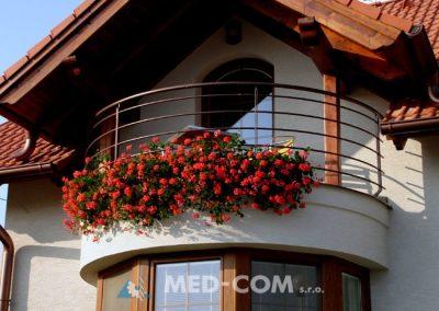 Balkón oblúkový
