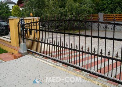 Kovaná brána posuvná - na kolieskach